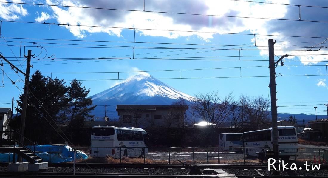 搭富士急行線河口湖半日遊